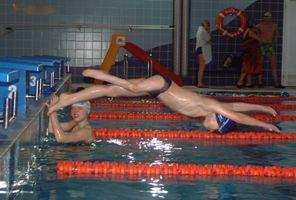 Bartek Słoma na basenie