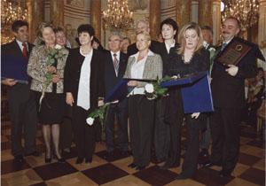 pamiatkowe zdjecie darczyncow 2006