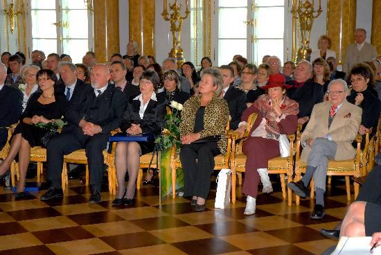 zdjęcie darczyńców zasiadających wśród publiczności Gali 2007