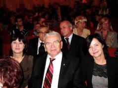 zdjęcie Stanisława Kowalskiego wraz z członkiniami delegacji