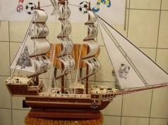 Replika statku wykonana przez osadzonego