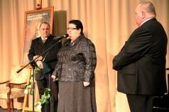 Henryka Krzywonos-Strycharska i jej mąż Krzysztof, którzy otrzymali medal za prowadzenie domu rodzinnego dla 12 dzieci